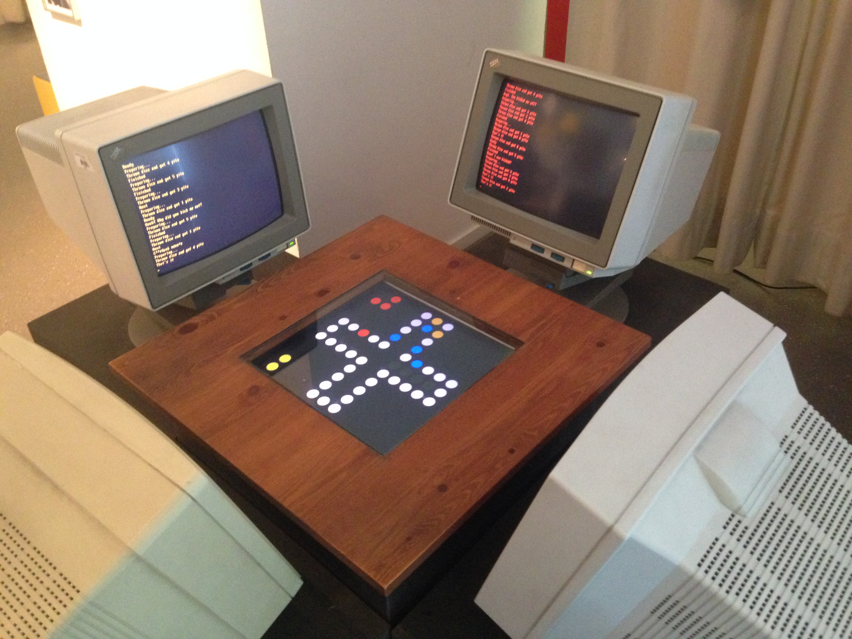 Computers playing a Board game @ Computerspielemuseum (Computer Game Museum)